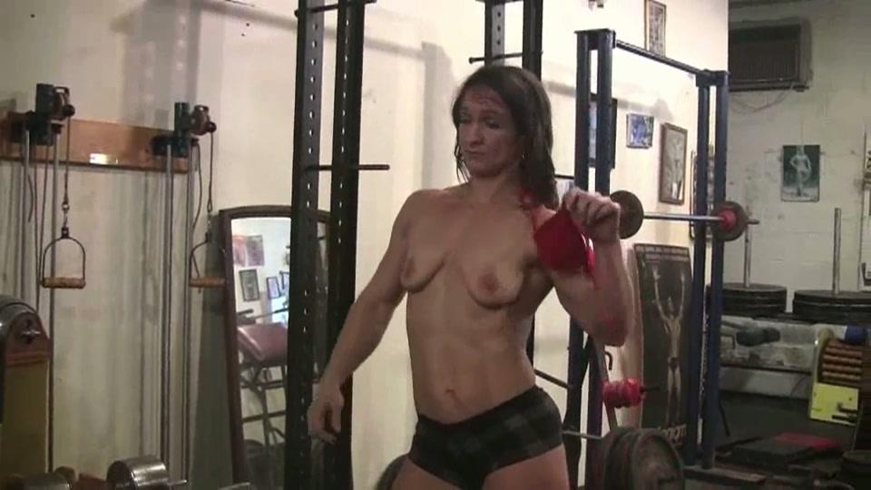 lesbis maat wijf in de sportschool