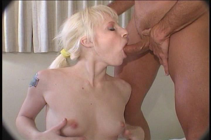Tengere blonde amateur slet in porno film